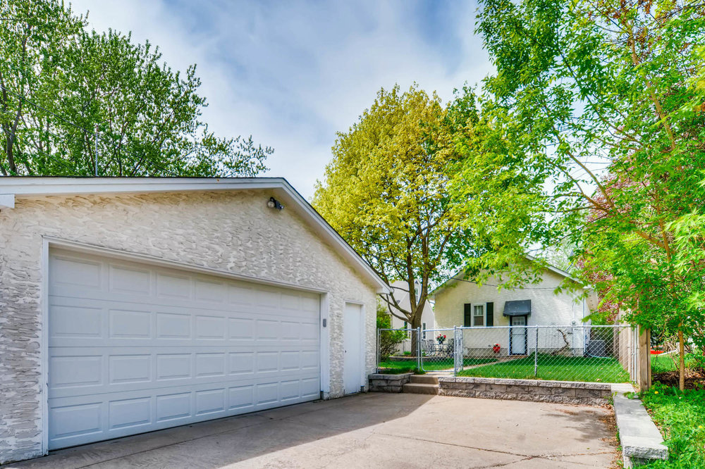 3147 Arthur St NE Minneapolis-large-027-14-Garage-1500x1000-72dpi.jpg