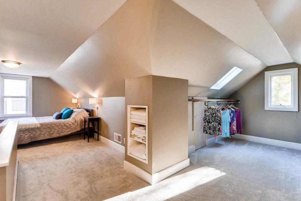 3139 Cleveland St NE-large-016-18-2nd Floor Master Bedroom-1500x1000-72dpi.jpg