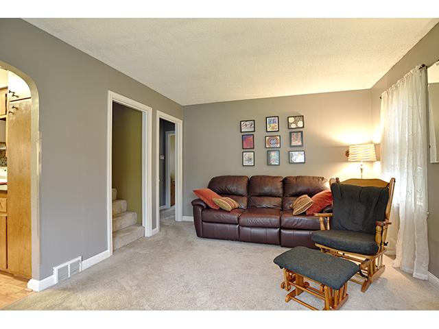 Living Room_1a.jpg