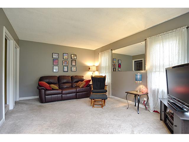 Living Room_2a.jpg