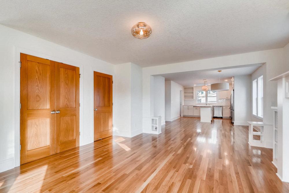 2949 Grand St NE Minneapolis-large-005-9-Living Room-1499x1000-72dpi.jpg