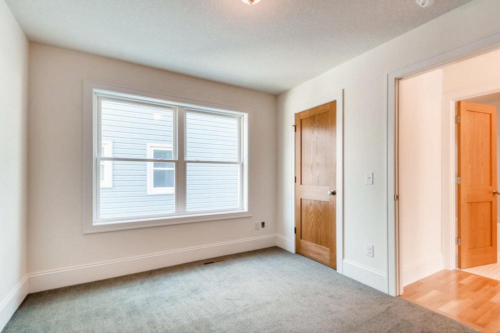 2949 Grand St NE Minneapolis-large-012-20-Bedroom-1499x1000-72dpi.jpg