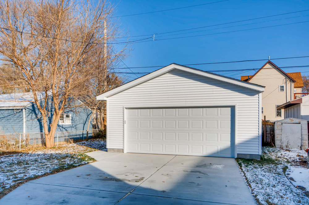 2949 Grand St NE Minneapolis-large-028-25-Garage-1500x999-72dpi.jpg