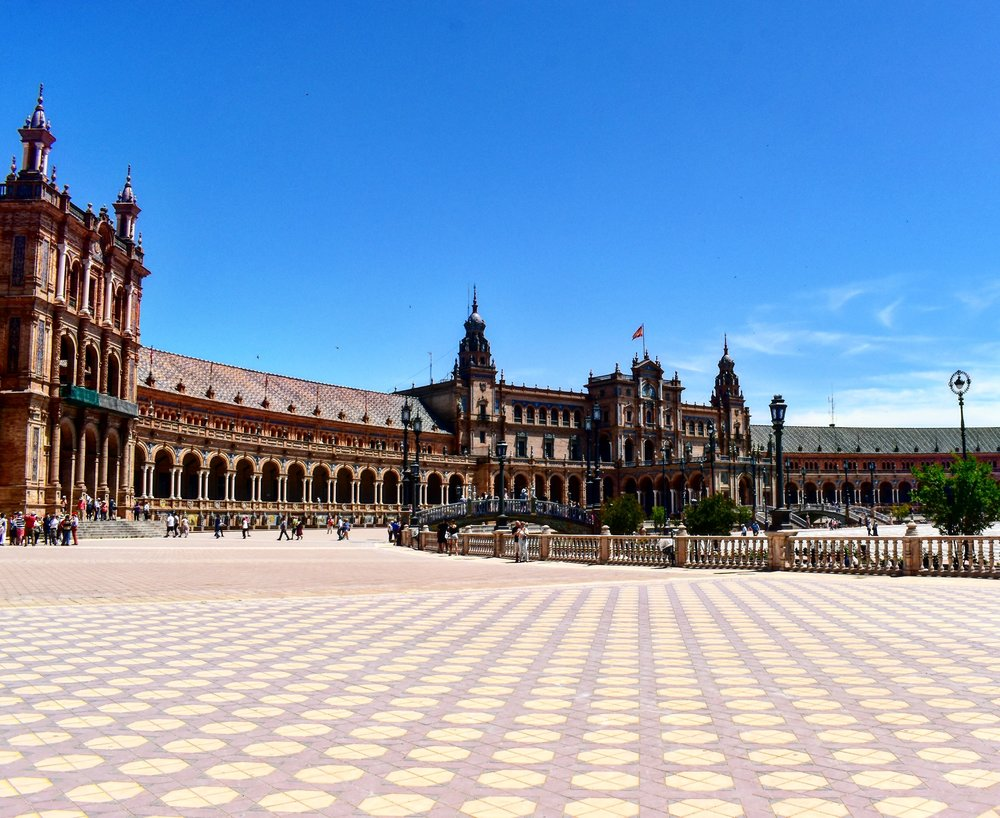 the Plaza de Espana in Sevilla
