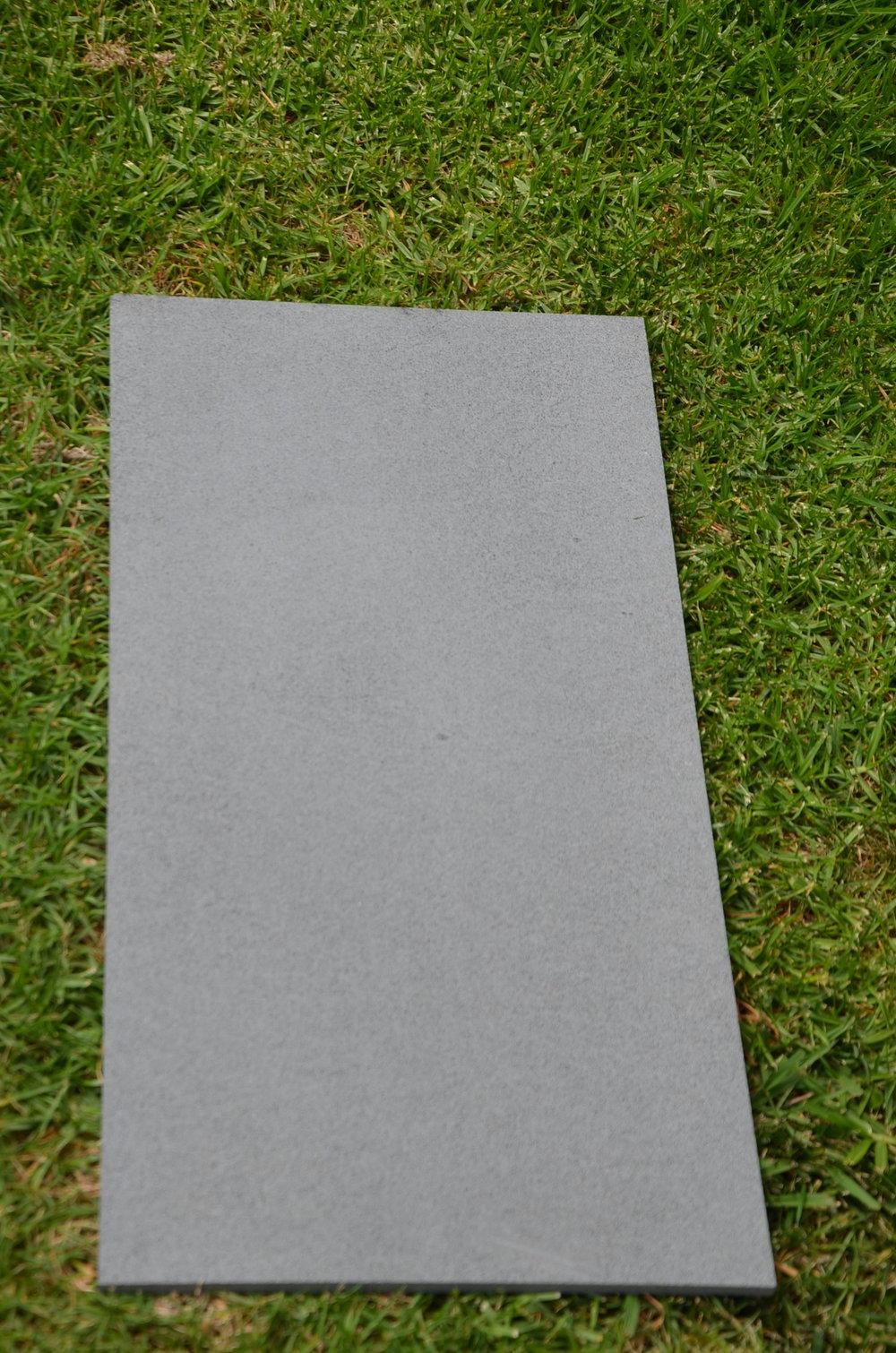 Basalt Light Gray Sawn Honed (2).JPG