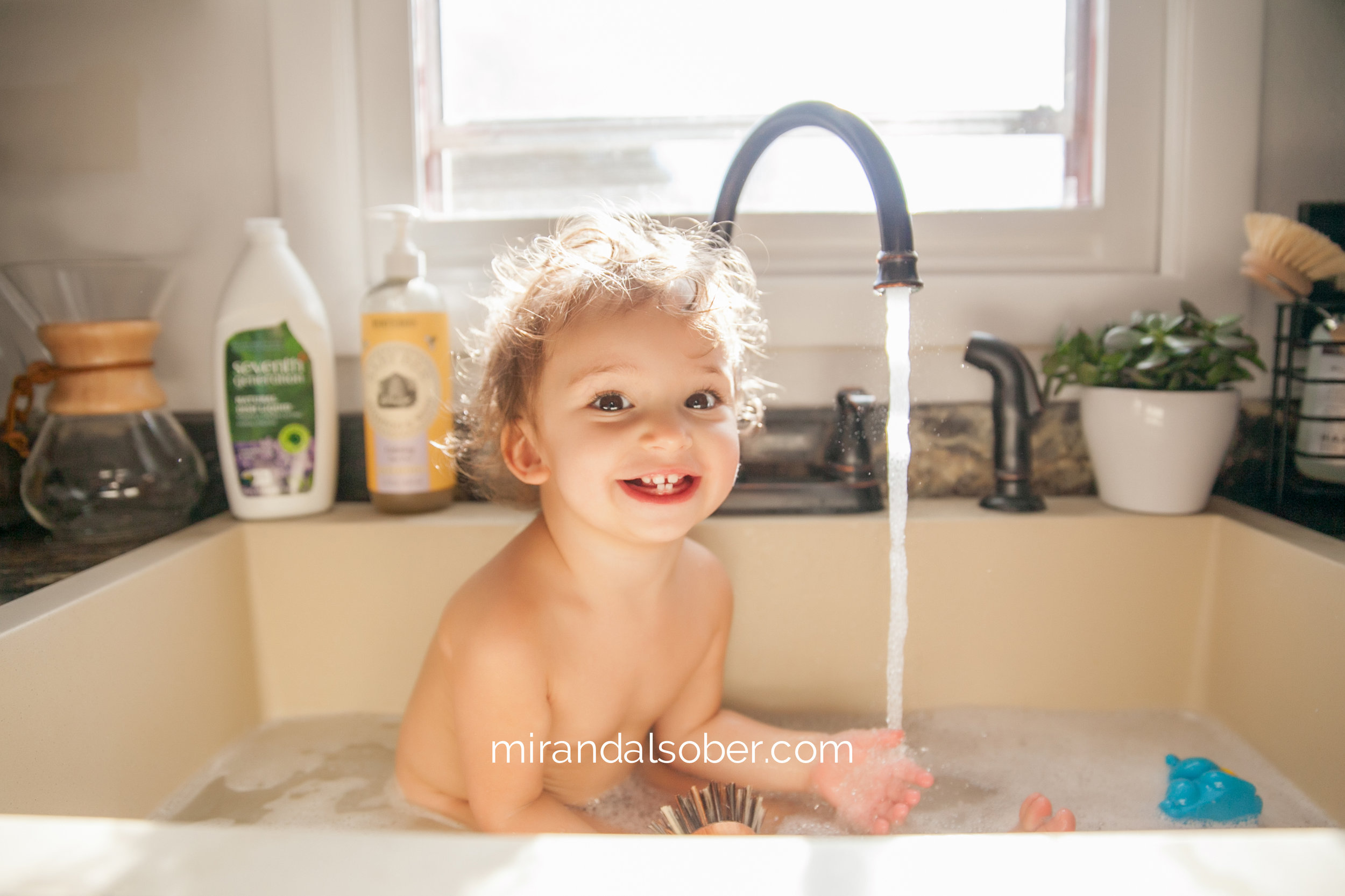 Denver baby photographer, Miranda L. Sober Photography, baby bath