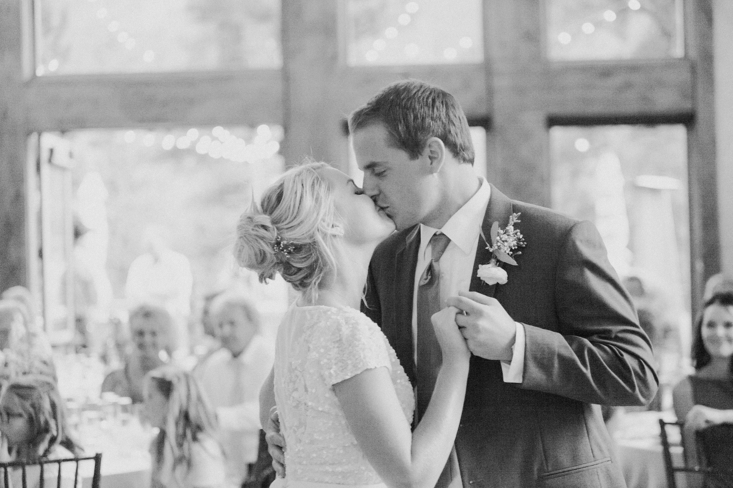 Colorado photographer, Miranda L. Sober Photography shares wedding photography and wedding dance