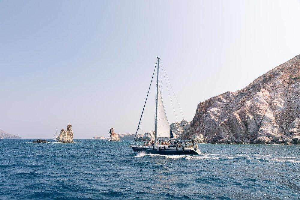 Sailing cruise, Milos