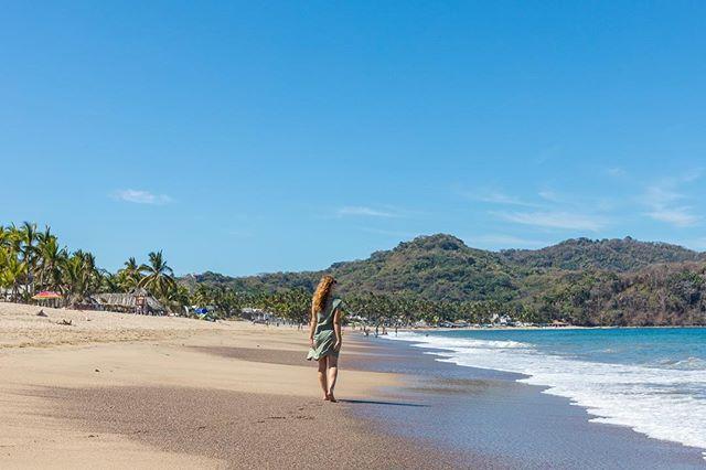 Don't worry, beach happy! 📷: @photomeister @societyofeverywhere . . . . . #sanpancho #mexico #mexicosorprendente #viajesenmexico #vidamex #pueblosmagicos #femmetravel #wearetravelgirls #femaletravelbloggers #nomadgirls #mytinyatlas #societyofeverywhere