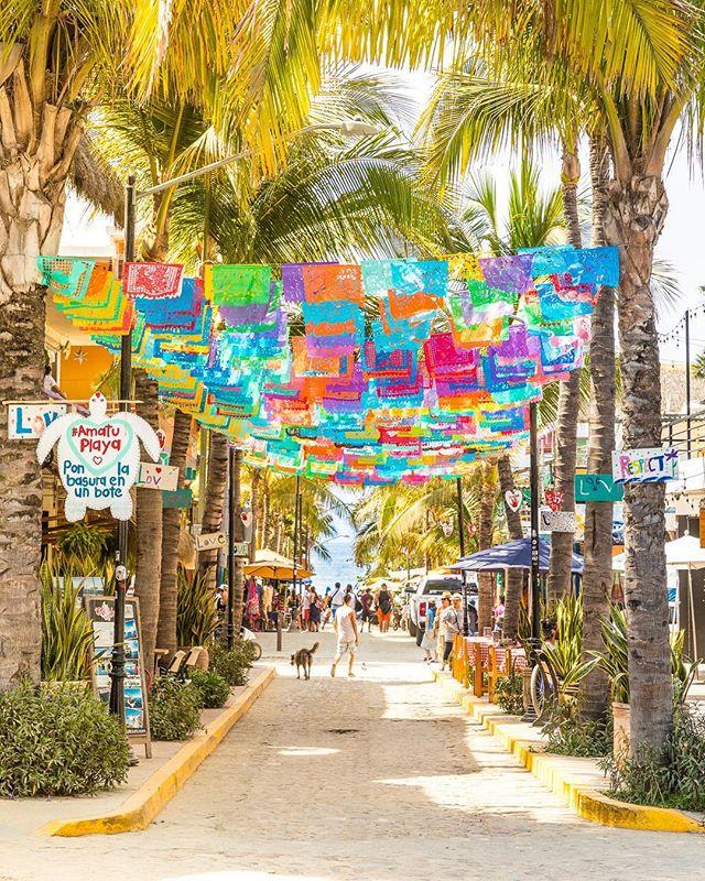 You pretty Sayulita! 📷: @photomeister @societyofeverywhere . . . . . #sayulita #mexico #mexicosorprendente #viajesenmexico #vidamex #pueblosmagicos #thevisualgrams #mytinyatlas #passionpassport #travelon #trulyamazingplaces #societyofeverywhere