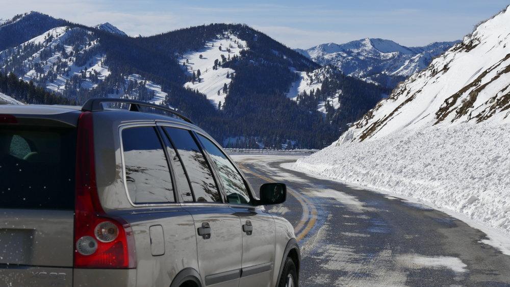 016_016_Top North Skier Drop Off 1.JPG