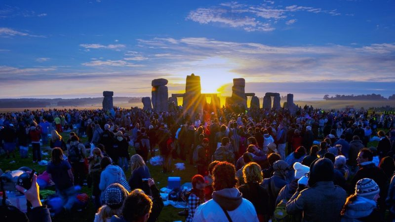 summer-solstice-sunrise-at-the-stonehenge.jpeg
