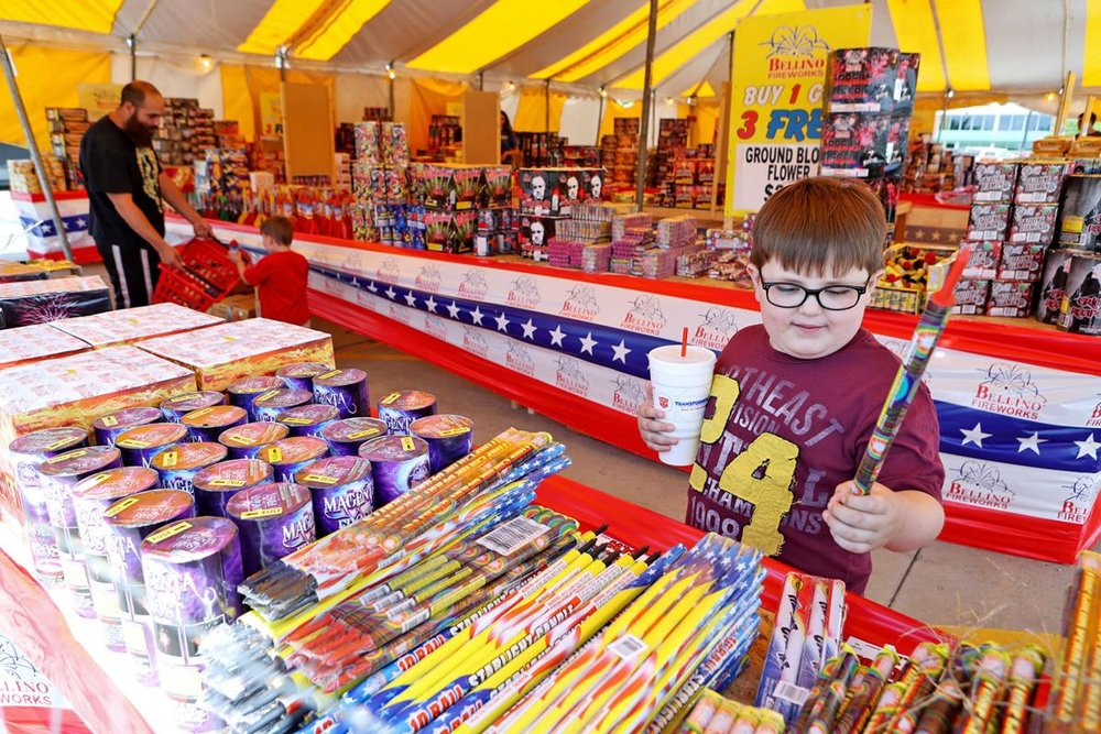 fireworks_stand.jpg