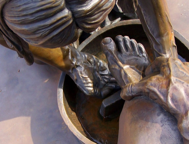 yahuwshuwas feet.jpg