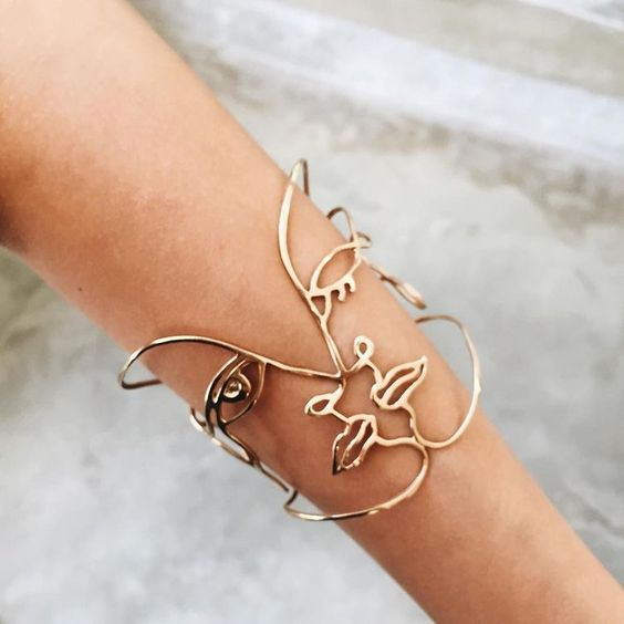 Obsessed with this jewelry trend... -