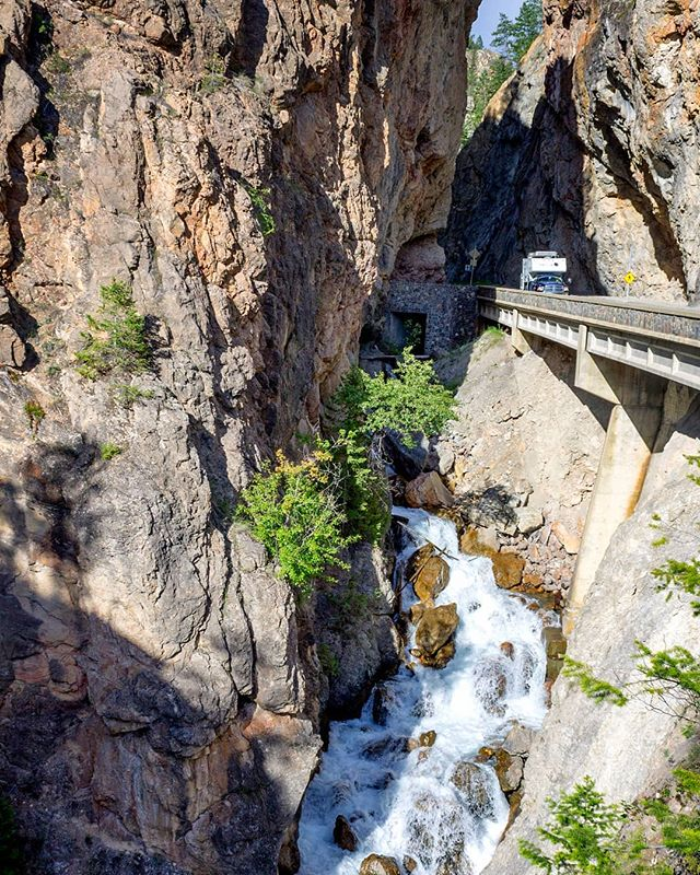 Sinclair Canyon in Kootenay National Park. . . . @parks.canada @kootrocks #parkscanada #kootaneys #tourcanada #tourbc #radiumhotsprings