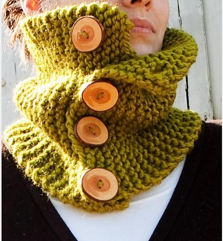 Woodland Cowl Free Knitting Pattern