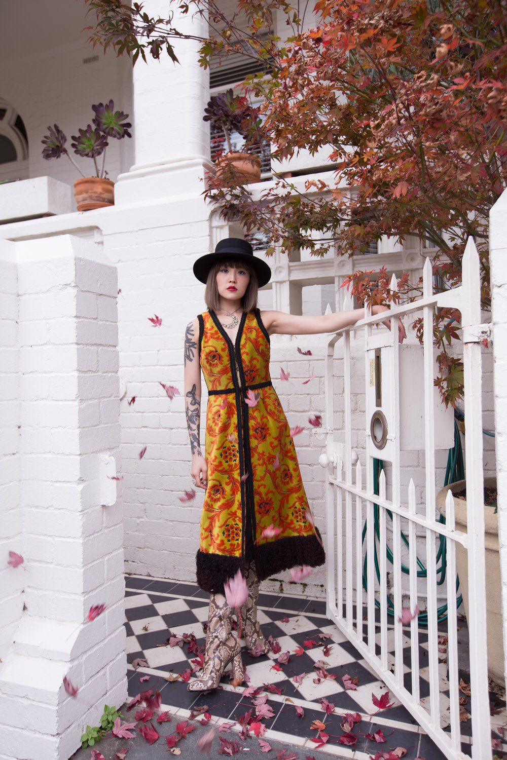 Autumn Leaves  Dress: The Vintage Emporium// @thevintagemporium  Hat: The Eternal Headonist // @theternalheadonist Jewellery: Emgee // @emgee_ig  Shoes: Gucci // @gucci
