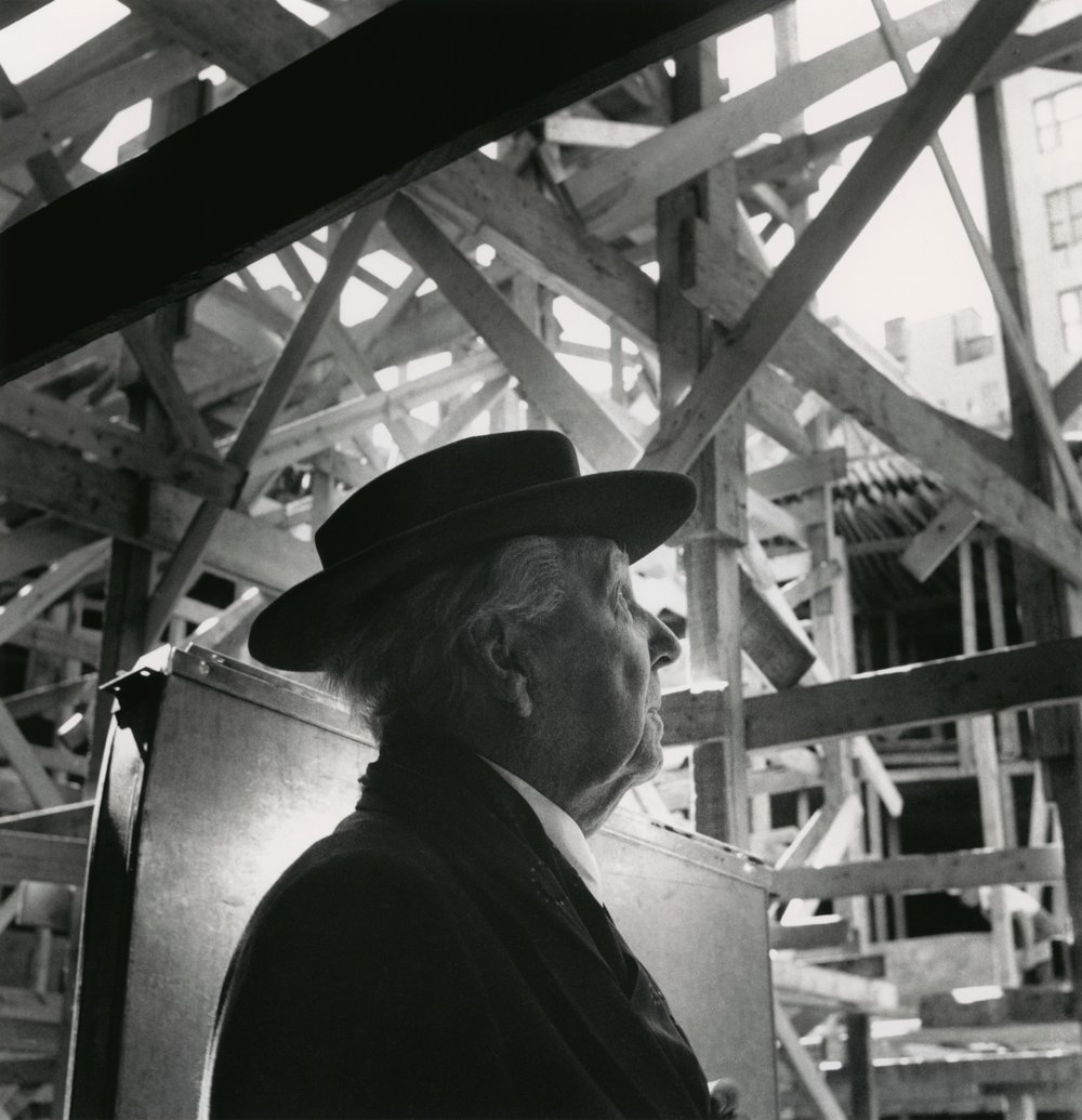 Frank Lloyd Wright during the construction of the Solomon R. Guggenheim Museum. Photo: William H. Short. Solomon R. Guggenheim Museum Archives. New York, NY