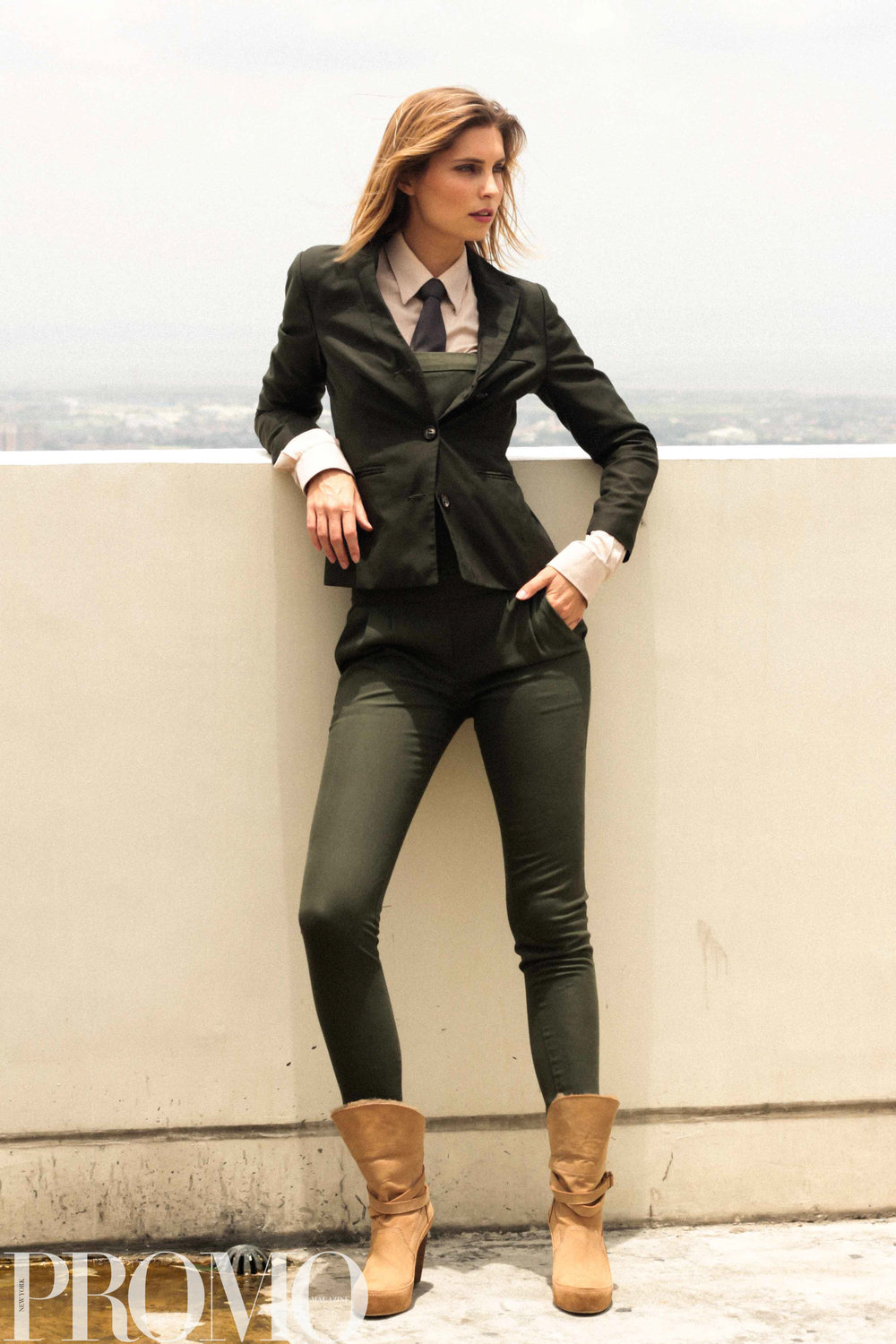Blazer from ZARA / Button-down Longsleeves, Jumpsuit and Necktie from HM / Boots from FOREVER21