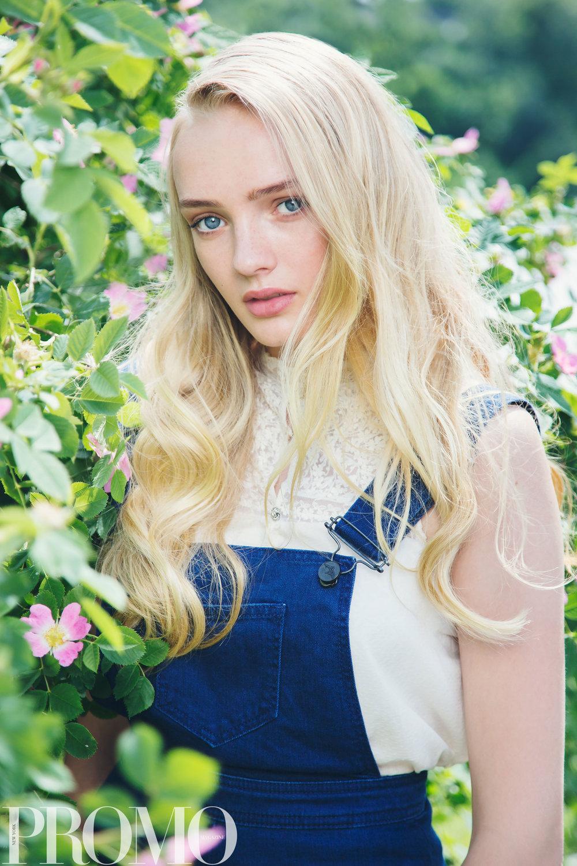 Jeans: Tiger of Sweden Blouse: Zara