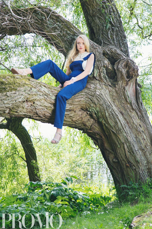 Jeans: Tiger of Sweden Blouse: Zara Shoes: Aldo Wristlet: Napa Design