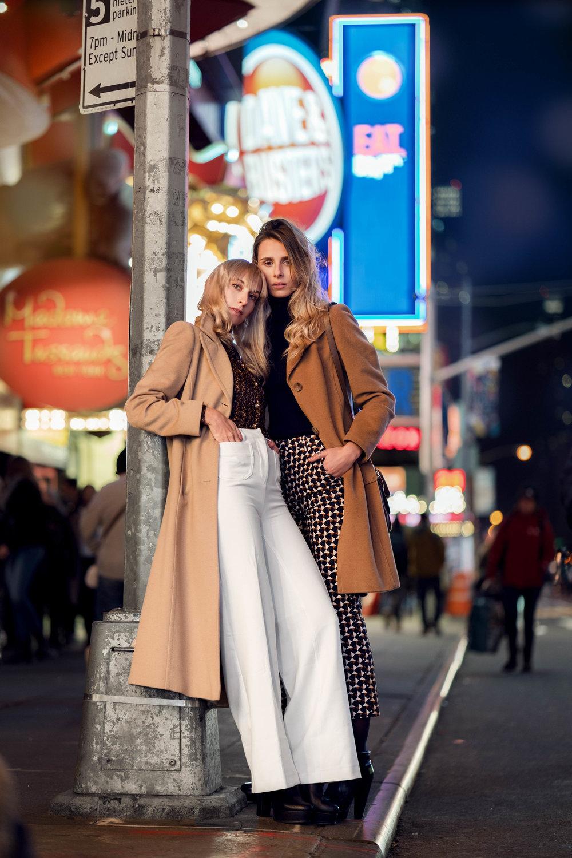 RIGHT Pants: H&M Sweeter: Tehen Jacket: Banana Republic Beg: Michael Kors Shoes: Forever21  LEFT Blouse: Michael Kors Sweeter: Catherine Malandrino Pents: H&M Coat: L&L, Collezioni Italiana Shoes: Naacee