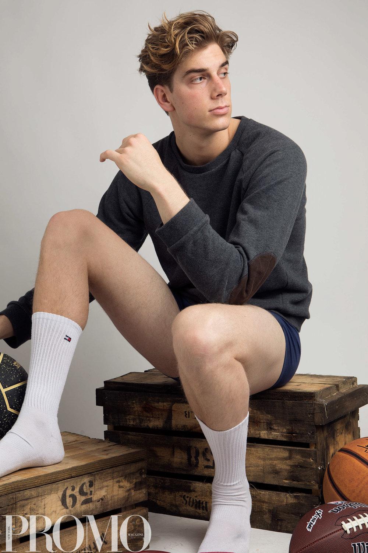 White Socks: tommy Hilfiger Underwear navy/white: Calvin Klein Dark grey grew neck sweater: industrie
