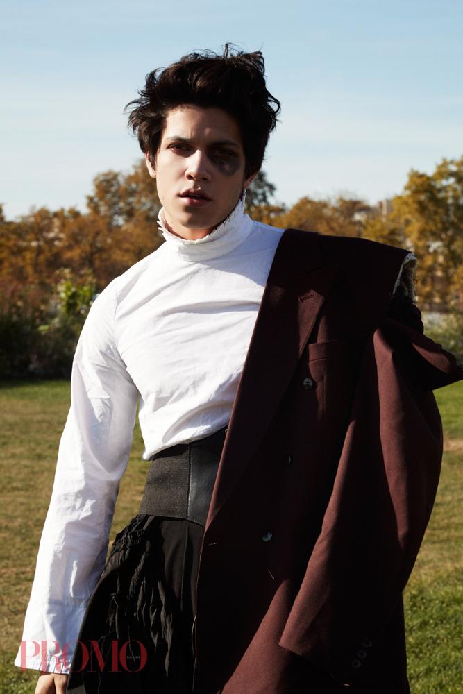 Shirt:Xiyouji  Suit Jacket:Daymare  Black Trousers:Vintage