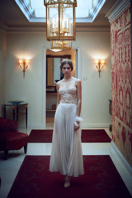 Zuzana Kubickova - SS19A little summer elegance from us to you. Enjoy!XOPromo Team