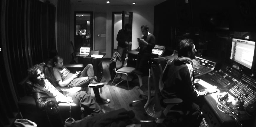 Santé Les Amis en el estudio Vivace