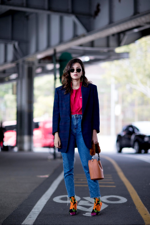 56-new-york-fashion-week-street-style-spring-2018-day-6.jpg
