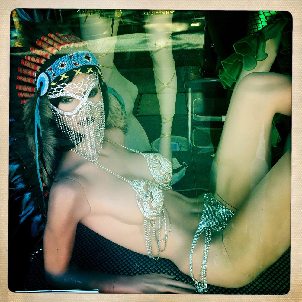 jules-oloughlin_still-life_mannequin-18.jpg