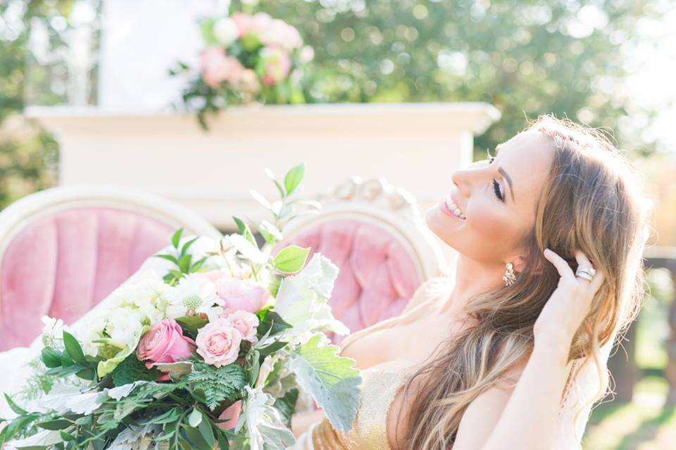 Image By: http://somethingbluenj.com Makeup By: https://www.facebook.com/makeupbymilans/ Pink Setee: http://www.vintagemymoment.com
