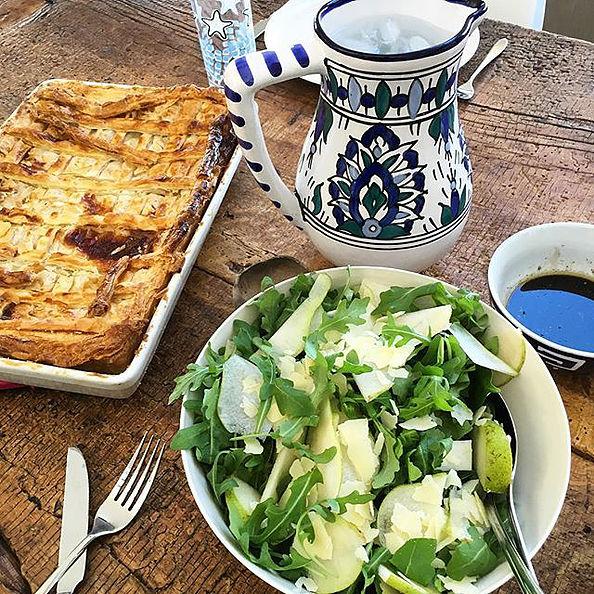 Simple salad recipe via The Nude Nutritionist Instagram -@nude_nutritionist