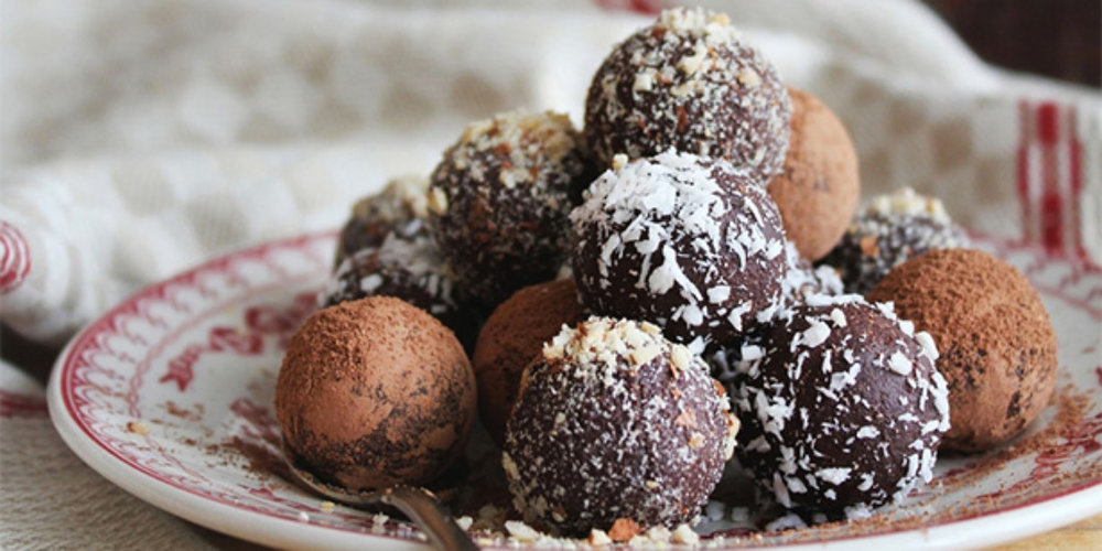 Healthy Snack Ideas for work: Bliss balls