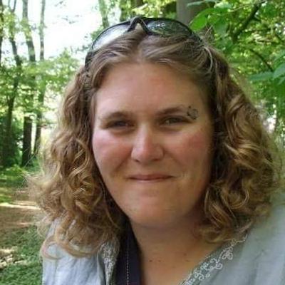 Helen - Helen is creating weekly paper crafting process videos.