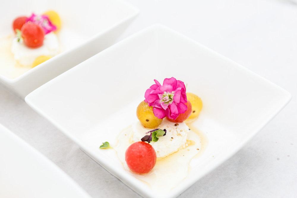 Gemarineerde cherrytomaatjes met geitenkaas