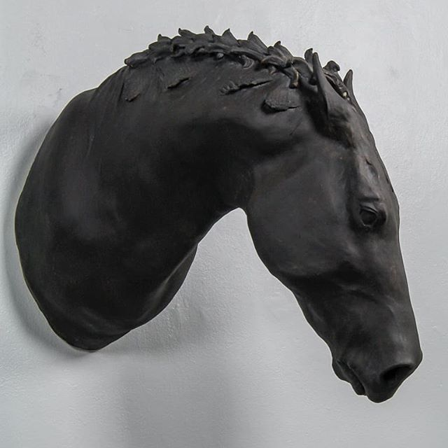 Abide || 🔗 || @pszclaycenter Zanesville, Ohio . . . #ceramics #ceramic #clay #Zanesville #pszclaycenter #schoolworksresidency #ceramicsculpture #sculpture #horse #ceramichorse #horsearmor #armor #armour #barding #horsebarding #horsesofinstagram #claybyday #blaauw #blaauwkiln #art #contemporaryceramics #kiln #ceramicsculpture #horsesculpture #clayhorse #shaunafahley #3d4makers #lifesizehorse #largescalesculpture #contemporaryceramicsculpture