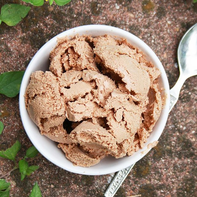 Earthchurn Ice Cream now $5/pint! 🎉🙌🏼🙋🍦🍨💪👌💪 #icecream #hflc #keto #paleo #primal #austin #atx #texas #tx #localfood #nutrition #healthyfood