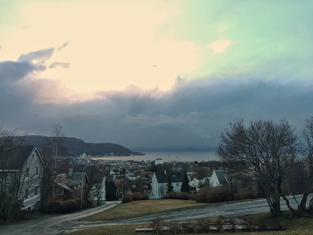 Vejret kan til gengæld slå om på et øjeblik. En saying her i Trondheim er, at hvis du ikke kan lide vejret lige nu, så vent 10 minutter. Og det er da meget rart (som på norsk betyder mærkeligt, men jeg mener faktisk det stik modsatte.).