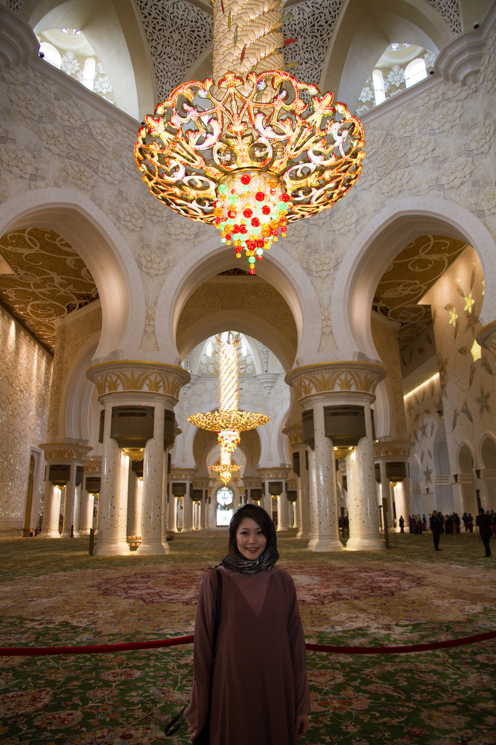 abu dhabi grand mosque chandelier carpet