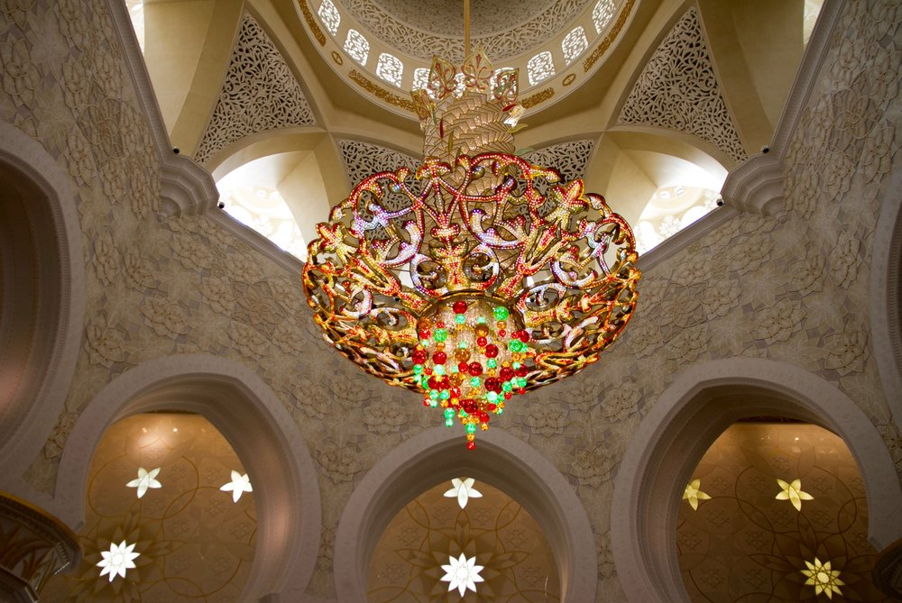 abu dhabi grand mosque chandelier
