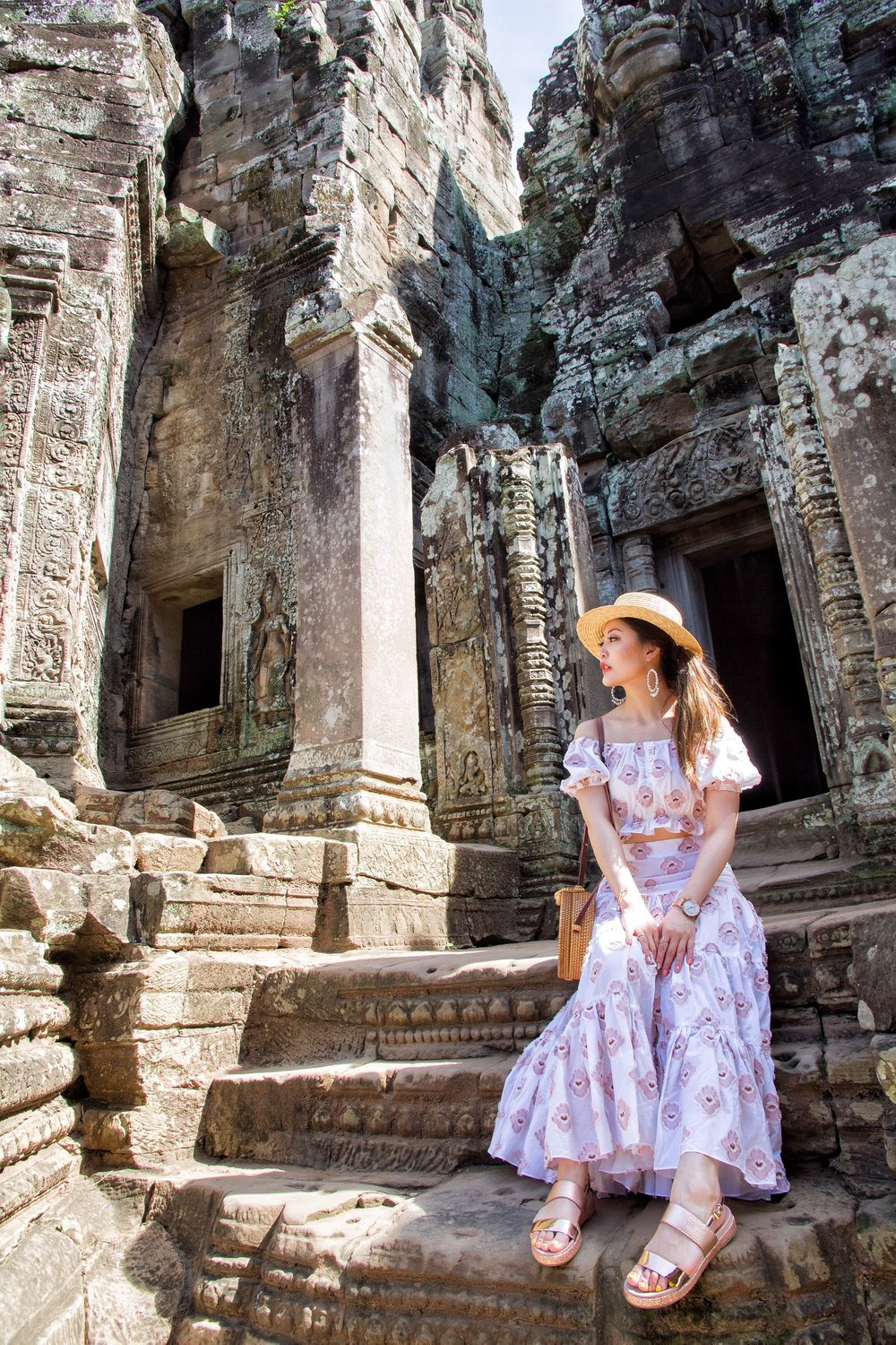 Angkor wat travel guide heelsonthego