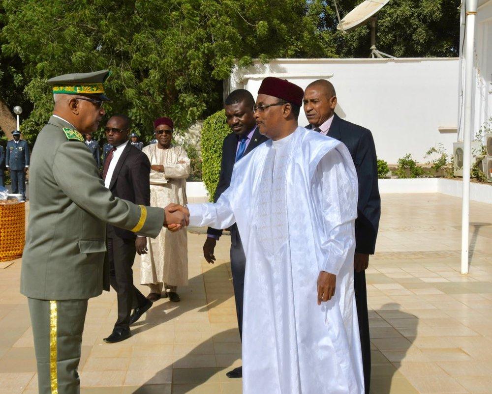 Le Président Issoufou Mahamadou et le Général Mohamed Ahmed.jpg
