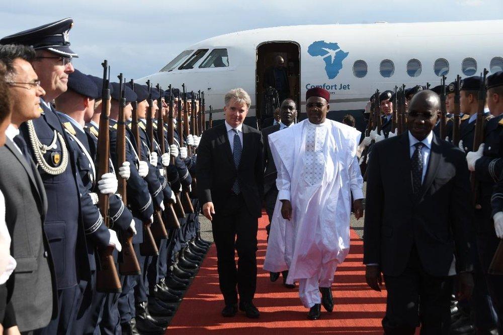 Arrivée du Président de la République SEM Issoufou Mahamadou à Berlin pour une visite de travail et d'amitié 1.jpg