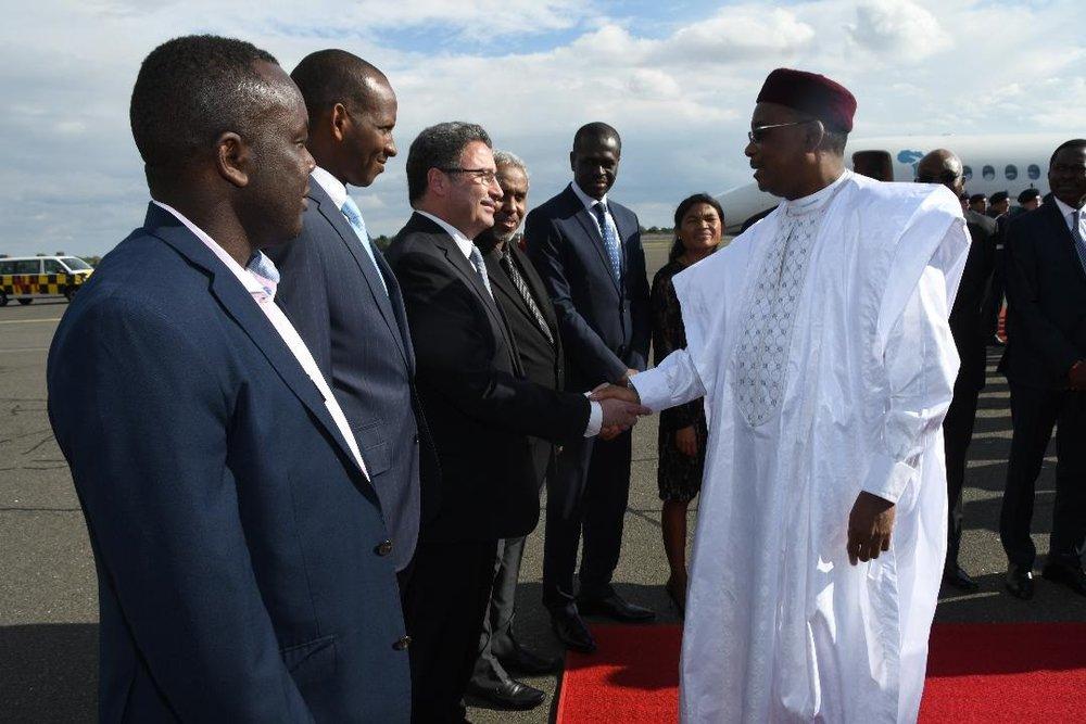 Arrivée du Président de la République SEM Issoufou Mahamadou à Berlin pour une visite de travail et d'amitié 2.jpg