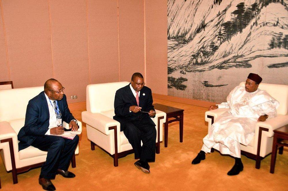 Le Président Issoufou Mahamadou a reçu samedi après-midi à Addis-Abeba le Commissaire Commerce et Industrie de l'Union Africaine 1.jpg