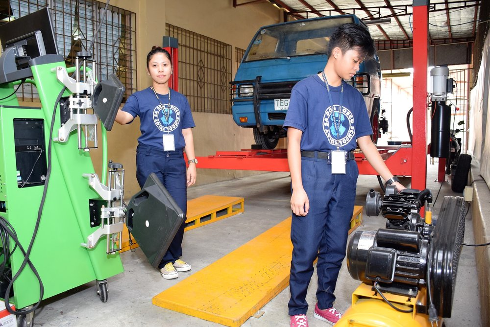 Top of the line wheel alignment equipment at the Tuloy Automotive  Workshop