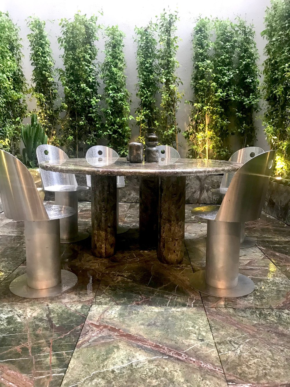 Striking Green marble used at Manzoni restaurant by Tom Dixon
